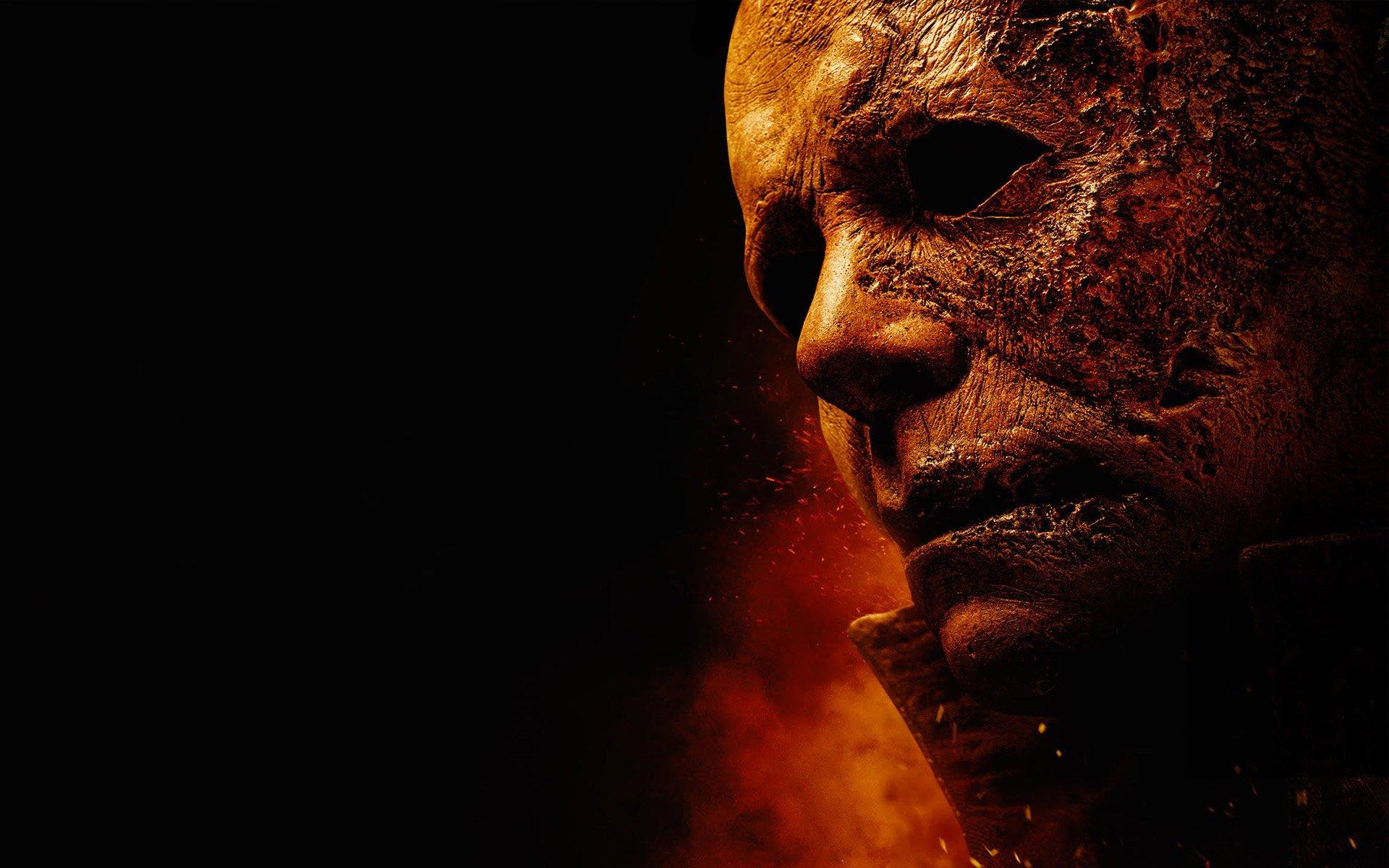 Смотри фильм Хэллоуин убивает в кинотеатре